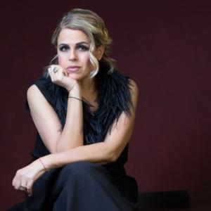 Tosca al Fraschini | Appunti musicali dal mondo | Winter Jazz Portraits / 23 dicembre, h 20.30